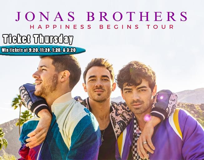 Go BACKSTAGE to MEET the Jonas Brothers!!!!