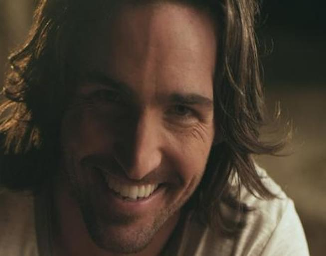 "The Song Remembers When: Jake Owen – ""Barefoot Blue Jean Night"""