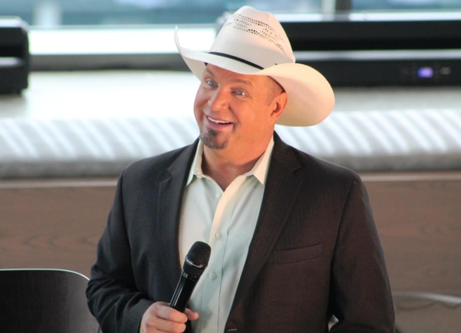 Garth Brooks CMA Preview