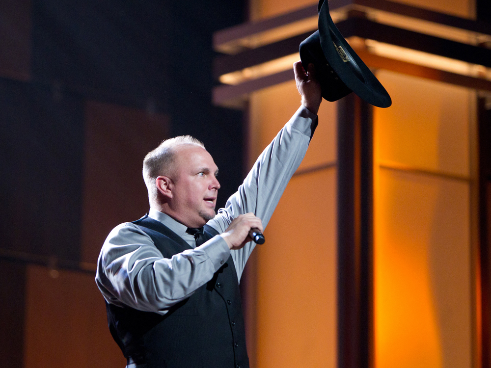 Garth Brooks Accomplishes a Feat of Garth-onian Proportions