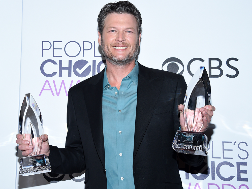 Blake Shelton, Carrie Underwood & Little Big Town Win People's Choice Awards—Blake Makes History