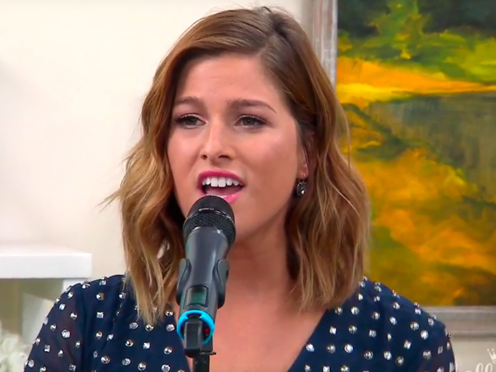 "Watch Cassadee Pope Perform ""Kisses at Airports"" on the Hallmark Channel"