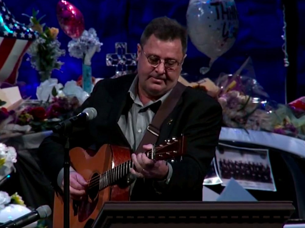 "Watch Vince Gill Perform ""Go Rest High on That Mountain"" to Honor Fallen Nashville Police Officer Eric Mumaw"