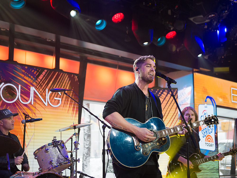"Watch Brett Young Make His National TV Debut With Performance of His No.1 Hit, ""Sleep Without You"""