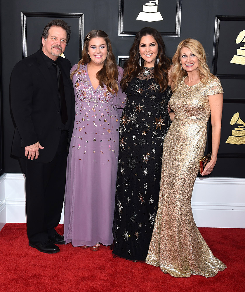 Photo gallery 2017 grammy awards red carpet nash for Hillary scott and the scott family