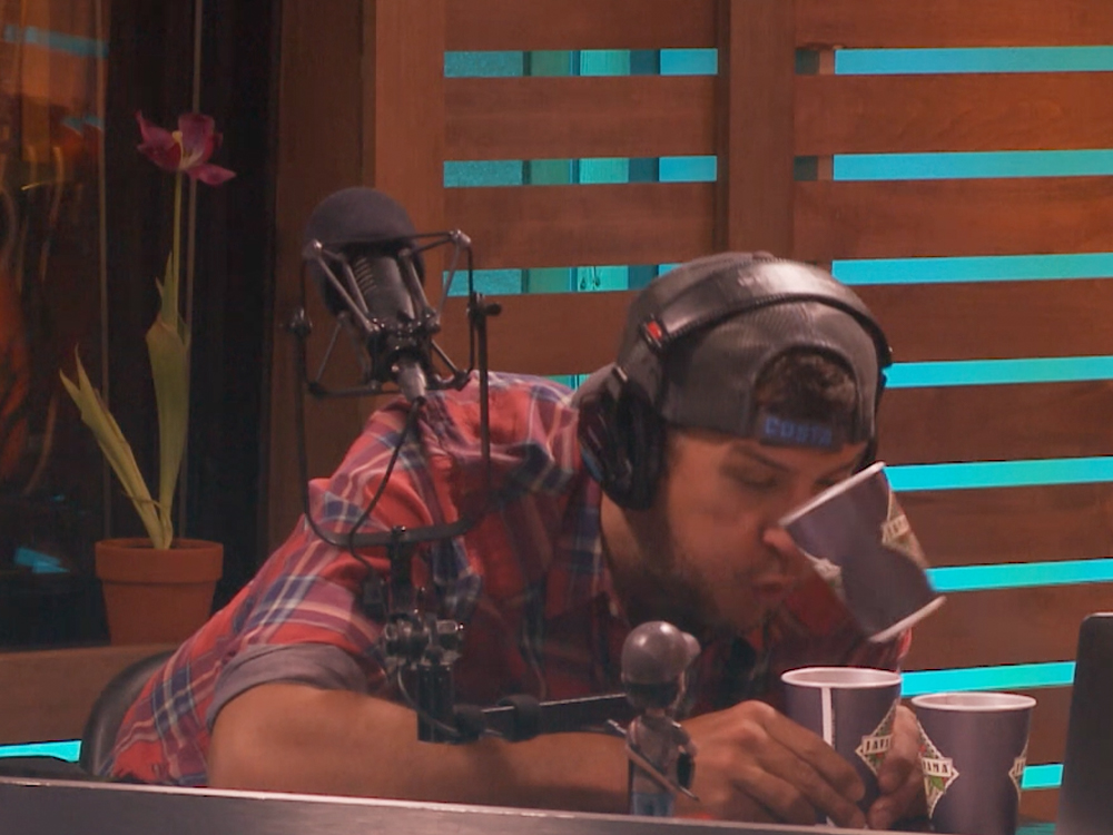 "Watch Luke Bryan Take the ""Cup Blowing Challenge"""