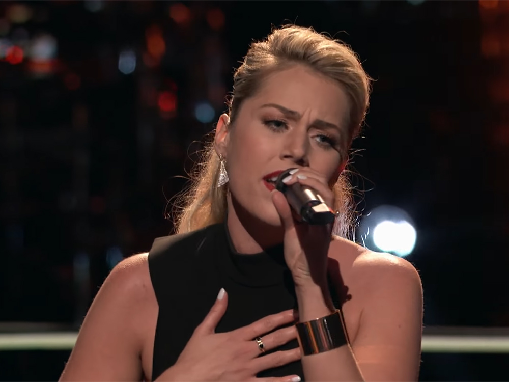 "Carrie Underwood's Former Backup Singer, Andrea Thomas, Takes On Faith Hill's ""Cry"" in ""The Voice"" Knockout Round"
