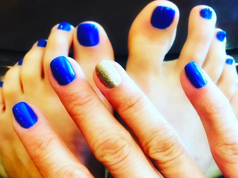 Carrie Underwood's Fingers and Toes Are Ready for Playoff Hockey
