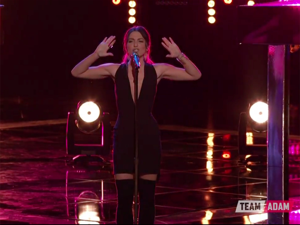 "No Pressure! Lilli Passero, Sings ""Man I Feel Like A Woman"" in Front of Shania Twain on ""The Voice"""