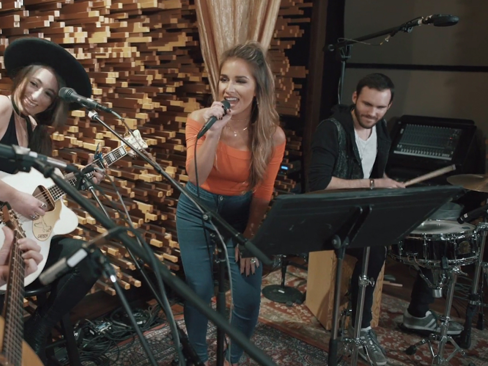 "Exclusive Video Premiere: Watch Jessie James Decker Channel Her Inner Michael Jackson With a Cover of ""Who's Lovin' You"""