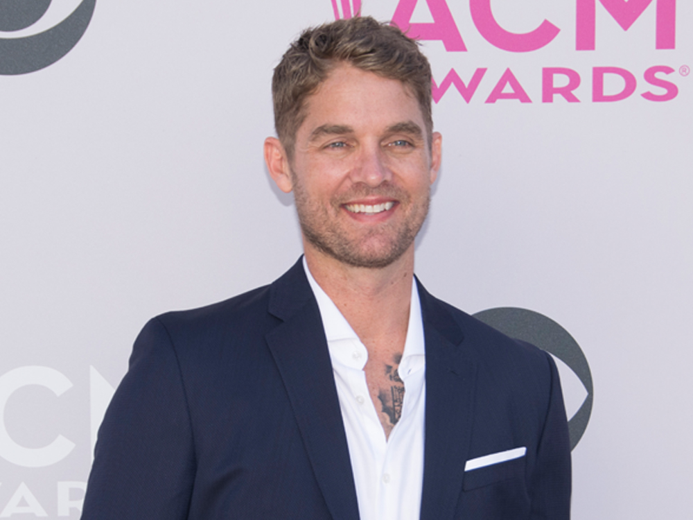 """Brett Young Earns First Billboard No. 1 With """"In Case You Didn't Know"""""""
