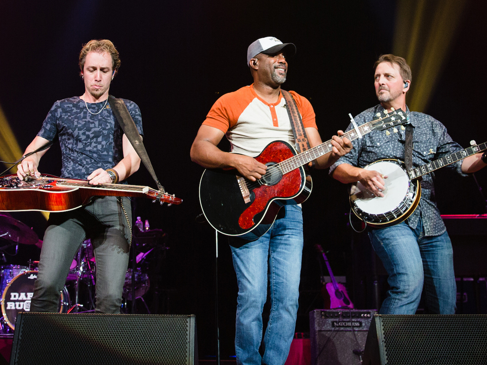 """Darius Rucker & Friends Benefit Concert"" Surpasses $1 Million Raised for St. Jude + Watch Brooks & Dunn's Surprise Performance of ""Boot Scootin' Boogie"""