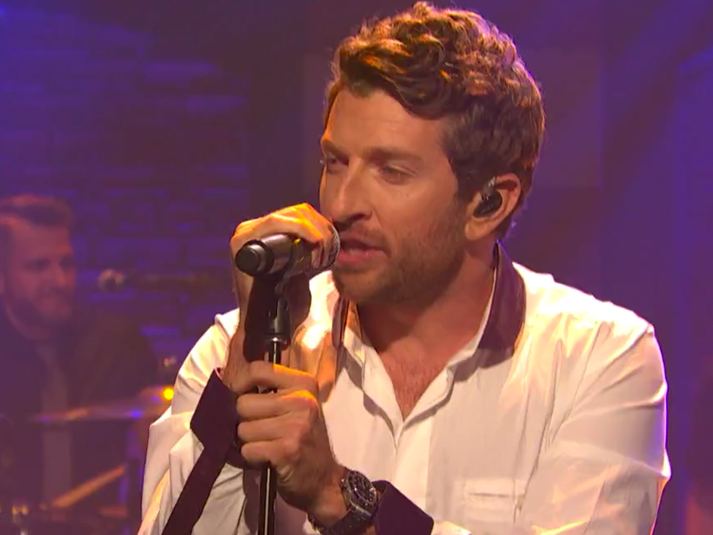 "Watch Brett Eldredge Perform New Song, ""Love Someone,"" on ""Seth Meyers"""