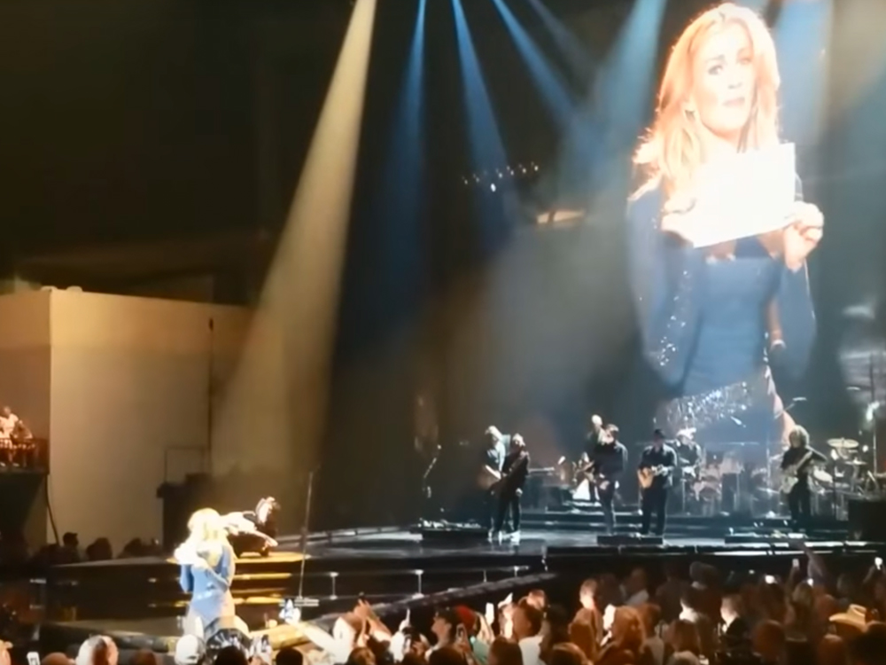 Oh, Boy! Faith Hill Reveals Baby's Gender to Couple While Onstage During Soul2Soul Tour [Watch]