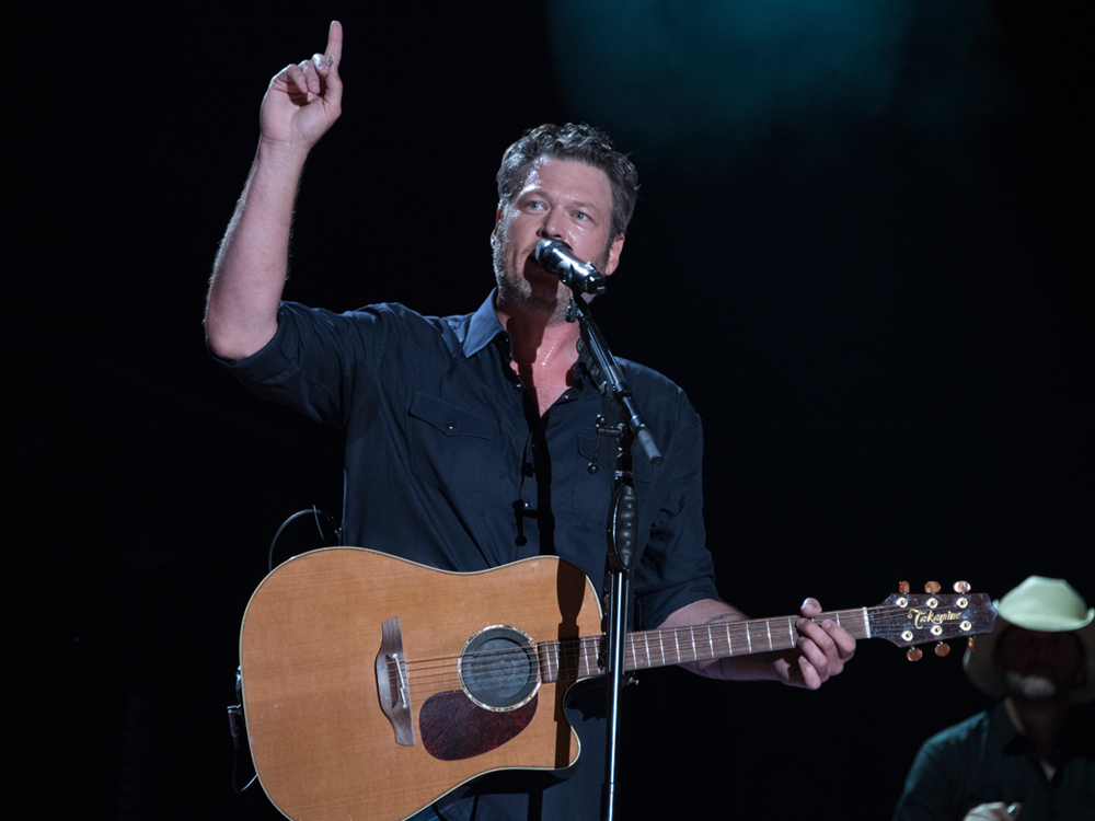 "Blake Shelton Scores 25th No. 1 Single With ""I'll Name the Dogs"""