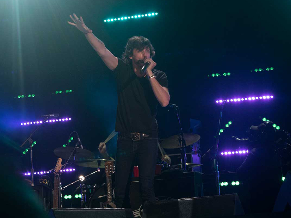 "Chris Janson Drops Energetic New Single, ""Good Vibes"" [Listen]"