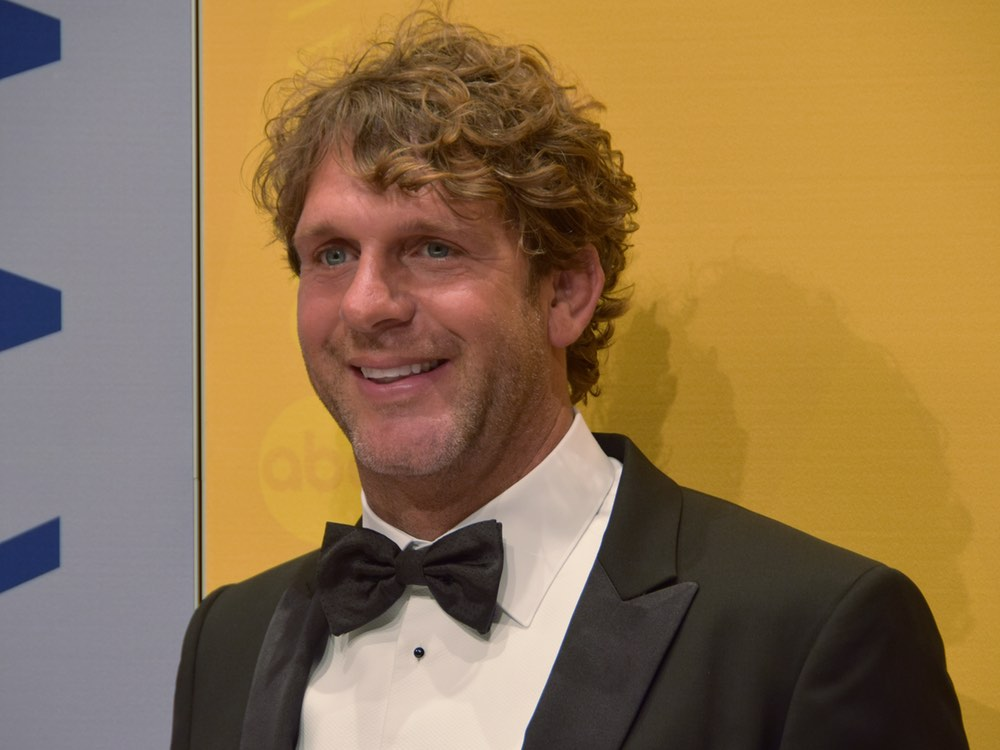Billy Currington Tops Billboard's Country Airplay Chart with 12th Career No. 1 Single