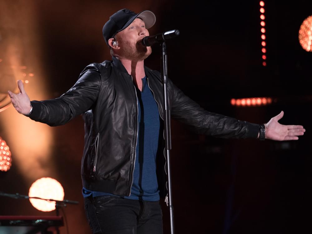 "Streak On: Cole Swindell Earns 7th Consecutive No. 1 Single With ""Flatliner"""
