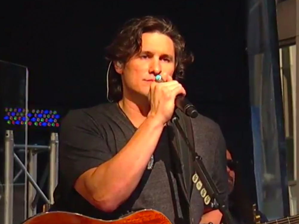 "Watch Joe Nichols Perform New Single, ""Never Gets Old,"" on ""Fox & Friends"""
