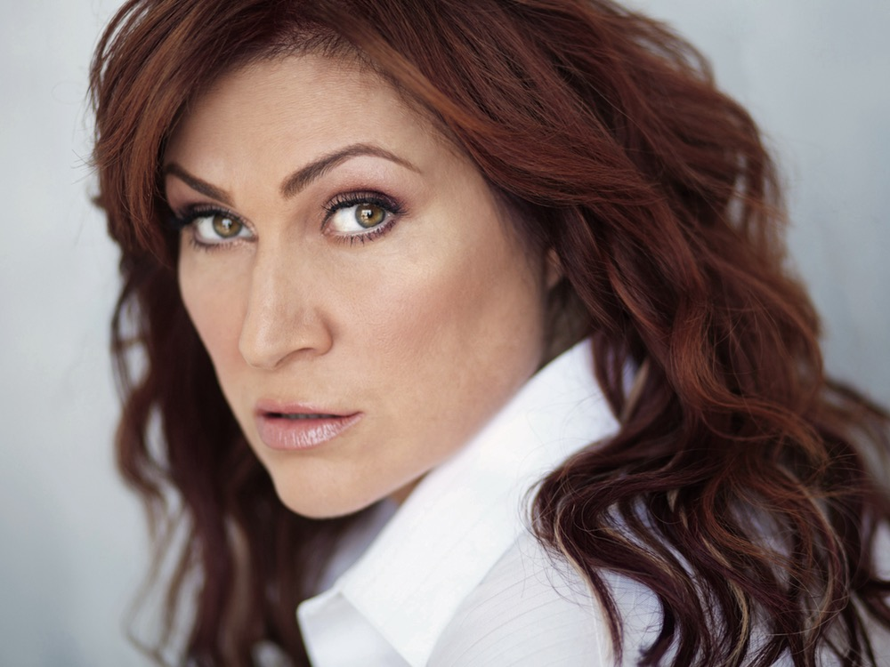 Jo Dee Messina Diagnosed With Cancer & Will Begin Treatment This Fall