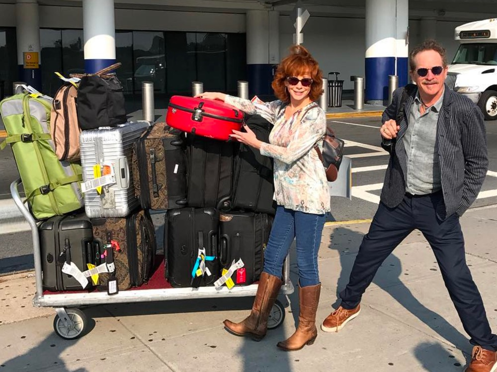 Social Media Roundup: Reba McEntire's Luggage Overload, Big & Rich's Cure for the Midweek Blues, Gary Allan's Lockjaw Lamp & More