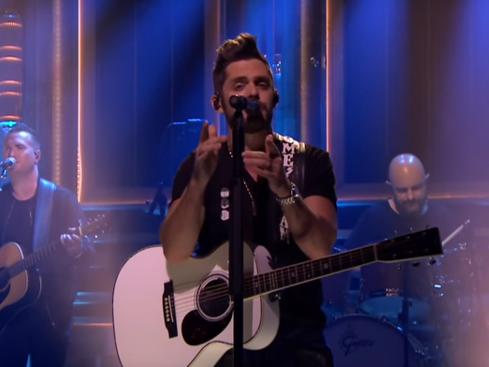 "Watch Thomas Rhett Take the Internet Pop Quiz & Perform ""Unforgettable"" on the ""Tonight Show"""