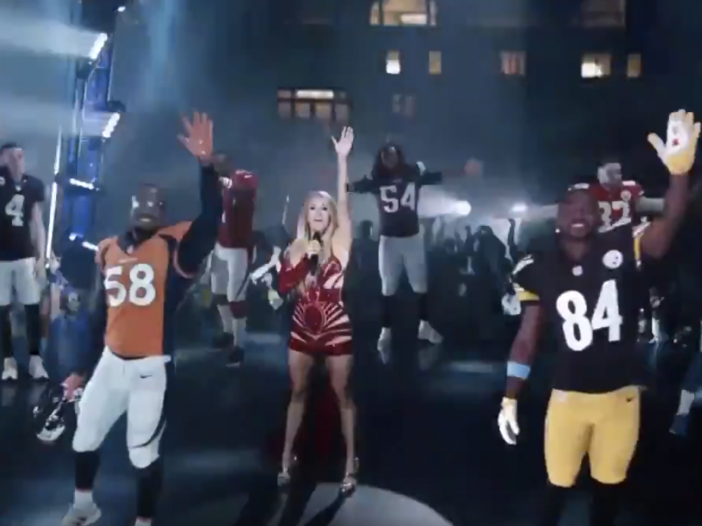 "Watch Carrie Underwood Open a New Season of ""Sunday Night Football"" by Performing ""Oh, Sunday Night"""