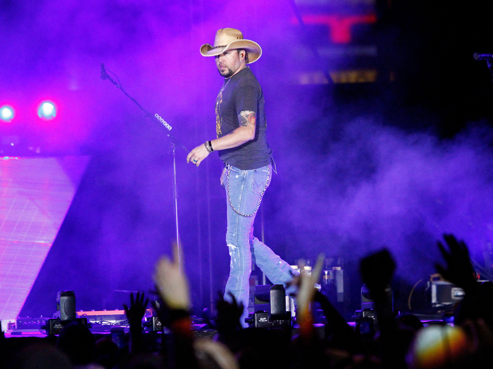 Country music news nash country daily for Jason aldean concert las vegas shooting