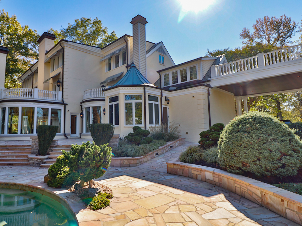 Local Businessman Buys Reba McEntire's Former Nashville-Area Home for $3.1 Million [Photo Gallery & Video]