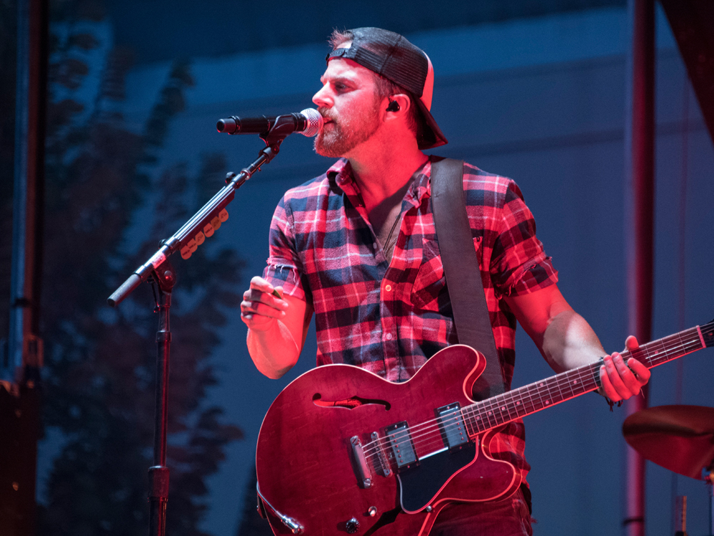"Kip Moore to Release New Acoustic EP, ""Room to Spare,"" on Nov. 16 With Limited Tour"