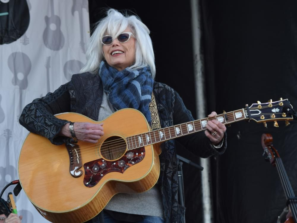 b7da90834a5495 Emmylou Harris  New Exhibit at the Country Music Hall of Fame Will Open on  Oct