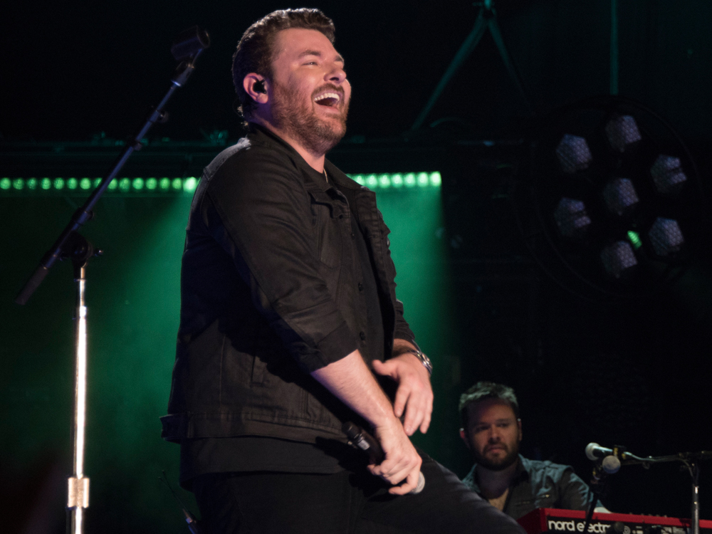 """Chris Young Scores 10th Career No. 1 Song With """"Losing Sleep"""""""