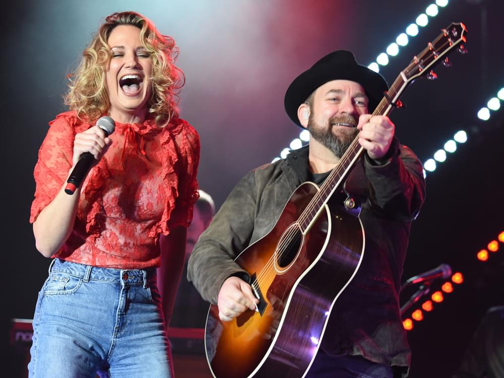 Photo Gallery: Sugarland, Thomas Rhett, Brett Young & More Perform at Big Machine Showcase