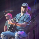 "Jason Aldean Announces Annual ""Concert for the Cure"" Benefiting Susan G. Komen"