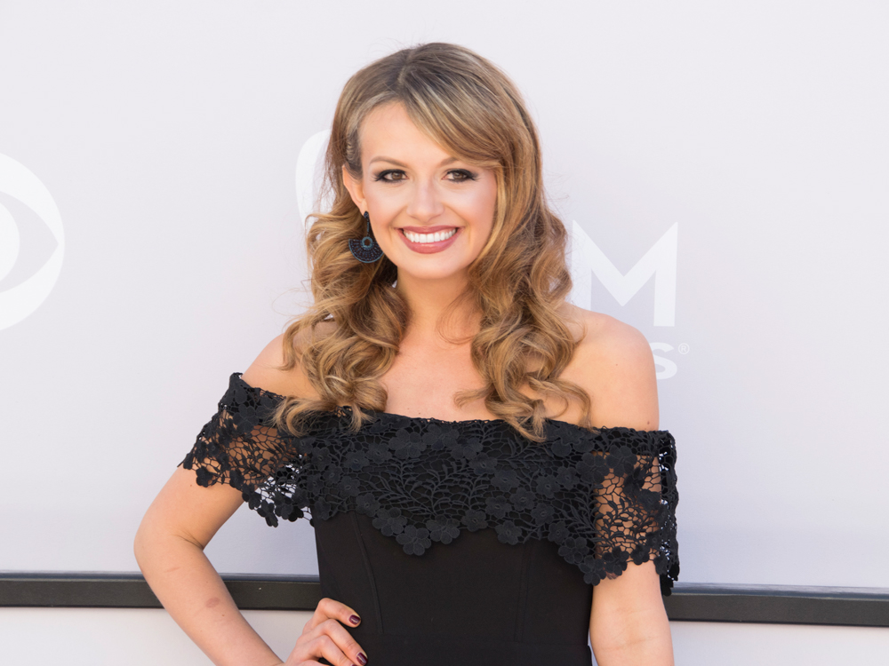 "Watch Carly Pearce Team With Blake Shelton for a Surprise Performance of ""Lonely Tonight"""