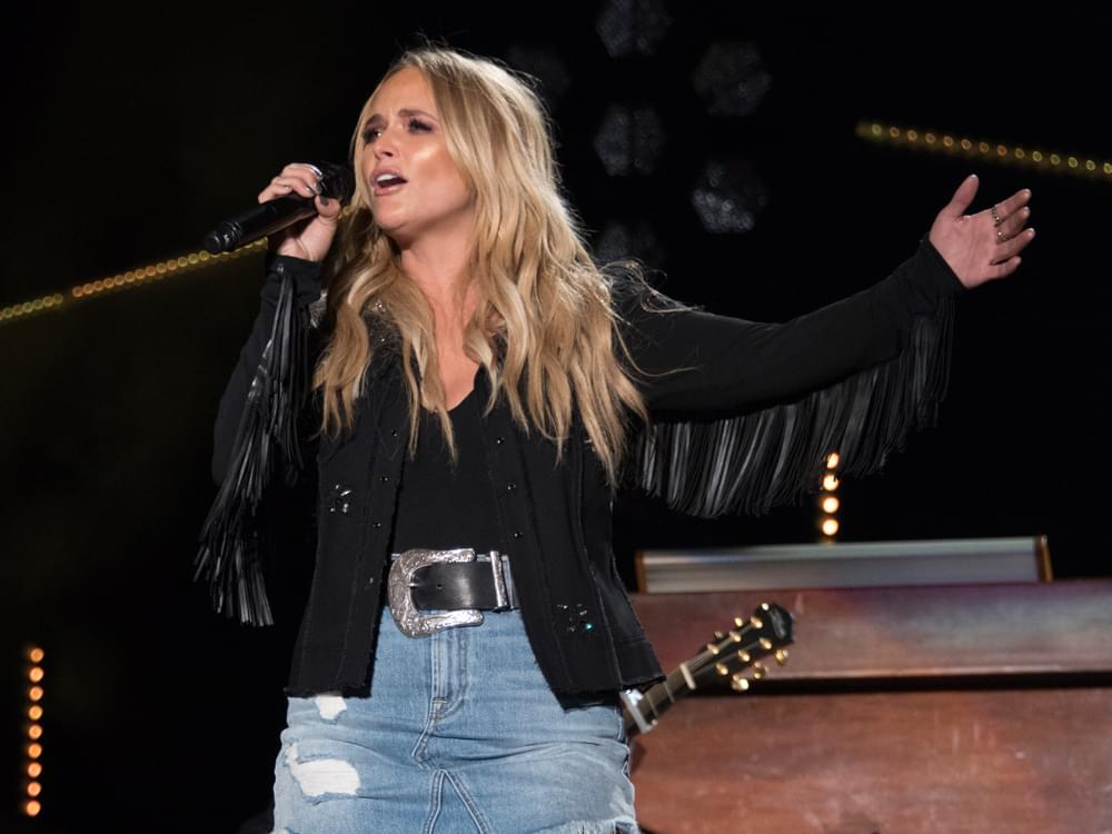 "Watch Miranda Lambert Team With the Oak Ridge Boys for Surprise Performance of ""Elvira"""