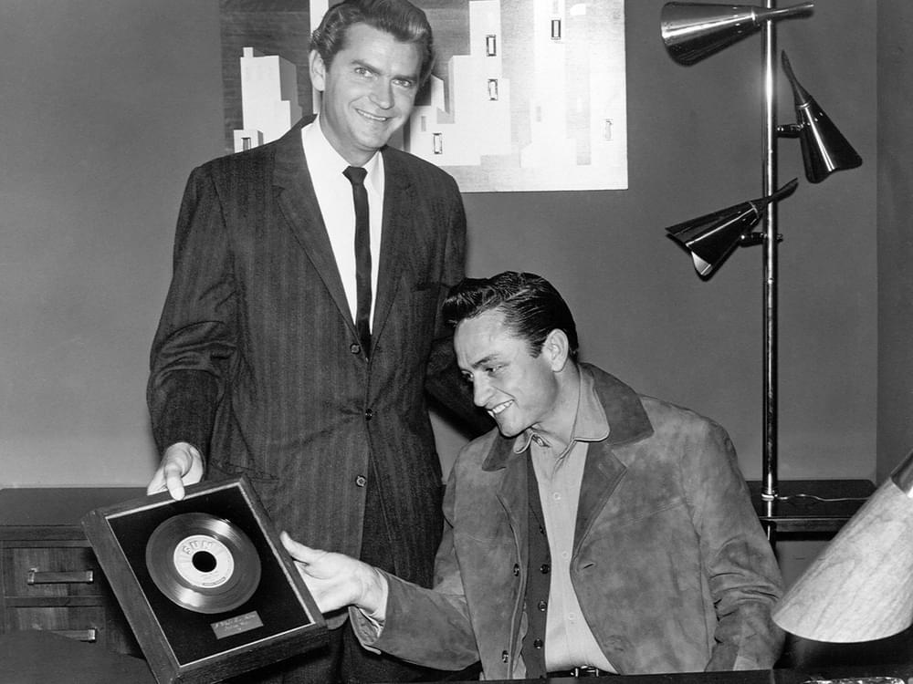 "Johnny Cash Museum Unveils Cash's First Gold Record for ""I Walk the Line"""