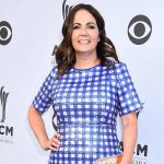 """Listen to Lori McKenna's Nostalgic New Single, """"People Get Old,"""" From Upcoming Album, """"The Tree"""""""