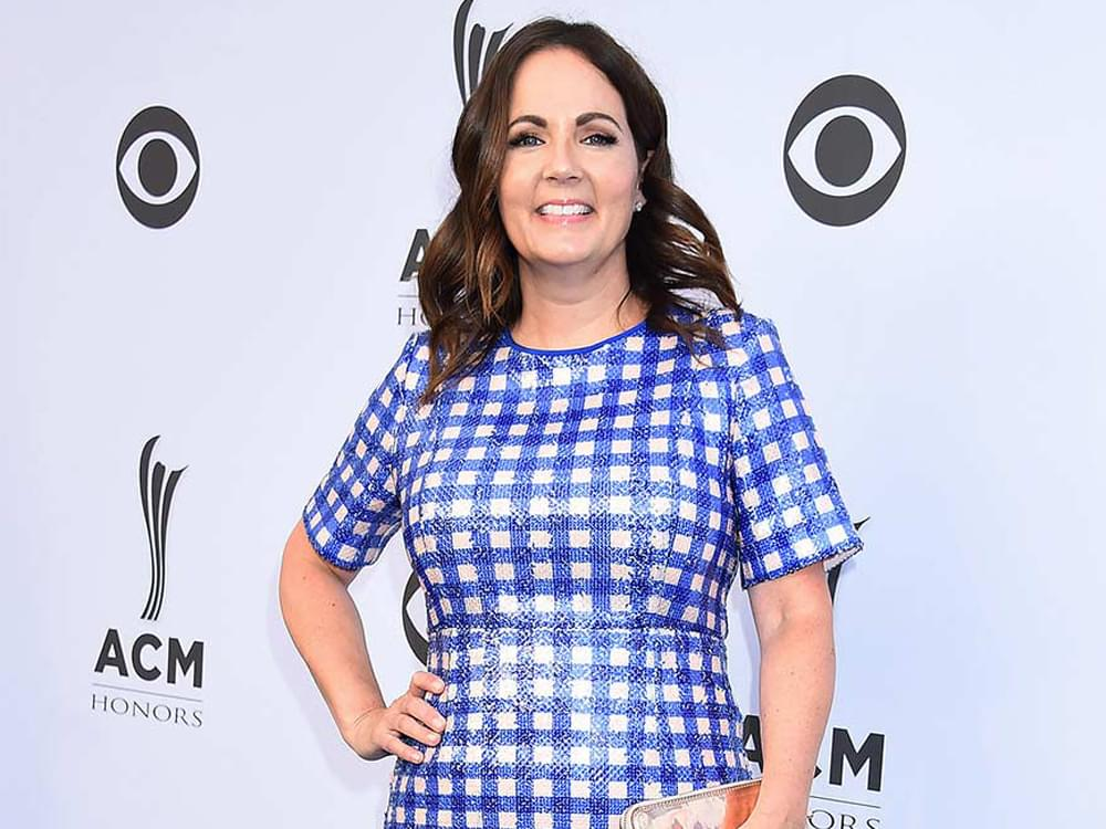 "Listen to Lori McKenna's Nostalgic New Single, ""People Get Old,"" From Upcoming Album, ""The Tree"""