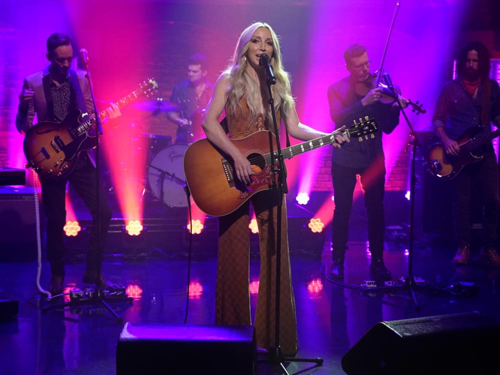 "Watch Ashley Monroe Perform ""Hands on You"" on ""Late Night With Seth Meyers"""