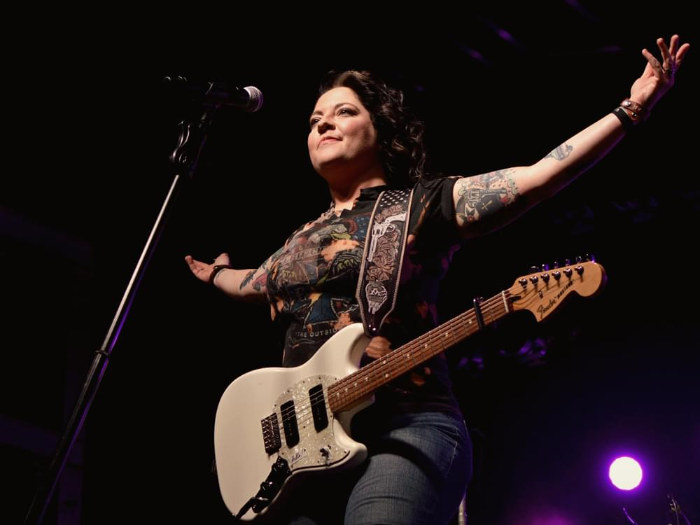 "Ashley McBryde Announces ""The Girl Going Nowhere"" Tour"