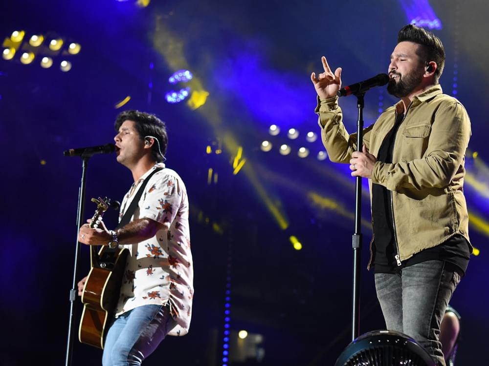 "Dan + Shay's ""Speechless"" Tops the Charts for 4th Consecutive Week"