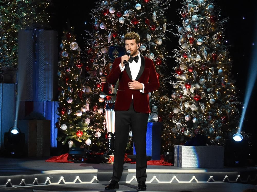 "Brett Eldredge Recorded a New Christmas Album: ""The Music Turned Out Magic Again"""