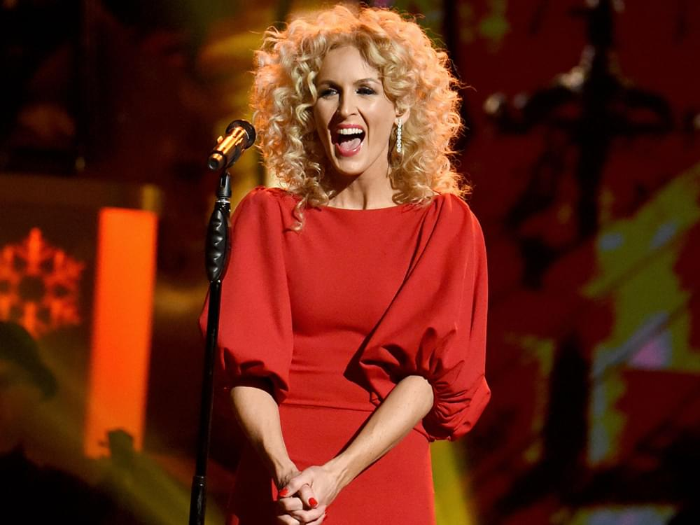 """If the Members of Little Big Town Were Stranded On an Island, Who Would They Eat First? Spoiler: The One Who """"Tastes Like Cinnamon"""""""