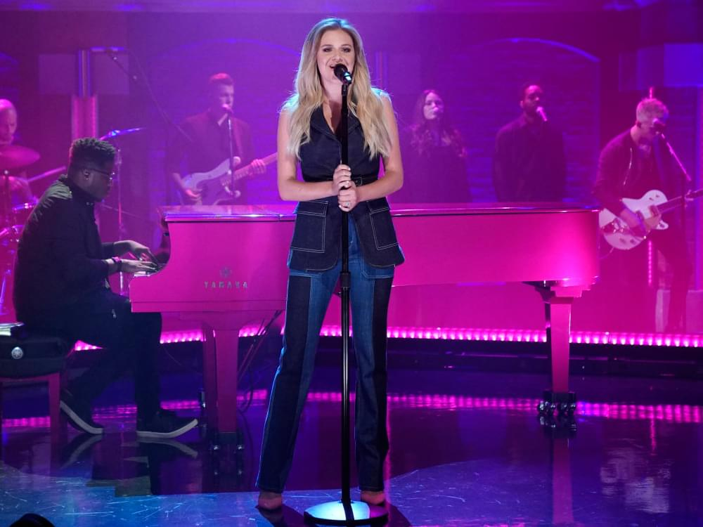 "Watch Kelsea Ballerini Perform ""I Hate Love Songs"" on ""Late Night"""