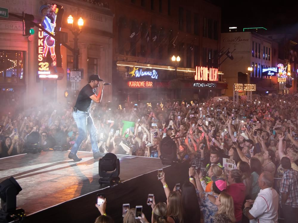 "Watch Luke Bryan Perform ""Sunrise, Sunburn, Sunset"" for 30,000 Fans at Nashville Block Party"