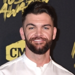 "Dylan Scott Announces ""Nothing to Do Town"" Tour"""