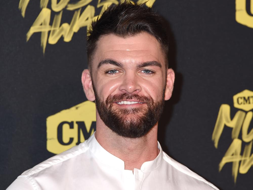 "Dylan Scott Announces ""Nothing to Do Town"" Tour"