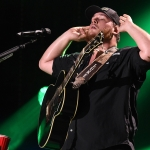 "Luke Combs, Thomas Rhett, Tyler Hubbard & 7 Others Win ""CMA Triple Play Awards"""