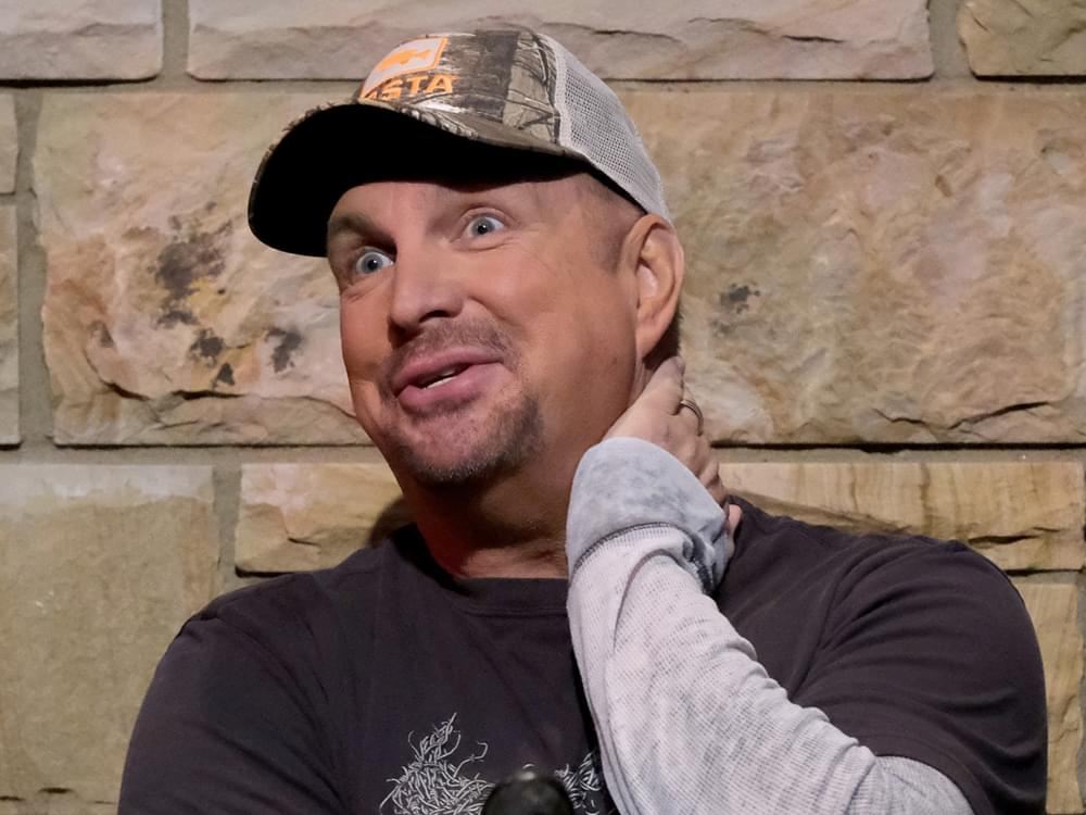 """Fired Up"" Garth Brooks Looking Forward to ""Helicopter Crowd Shots"" During Notre Dame Stadium Concert TV Special"